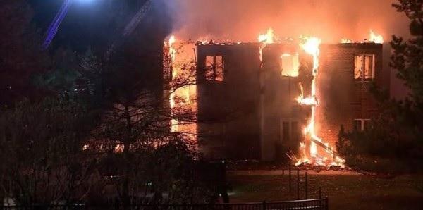 لسبب لا يصدق .. فتاة أحرقت أفراد عائلتها أحياء حتى الموت