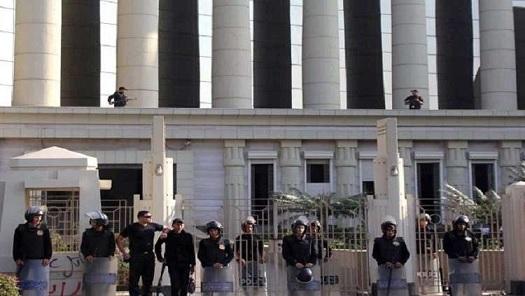 """طالبان مصريان يخفيان جثة والدتهما في """"الخزانه"""" لـ3 سنوات"""