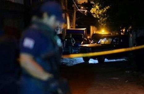 جريمة أثناء لقاء صحفي.. مقتل الضيف وإصابة المحاور