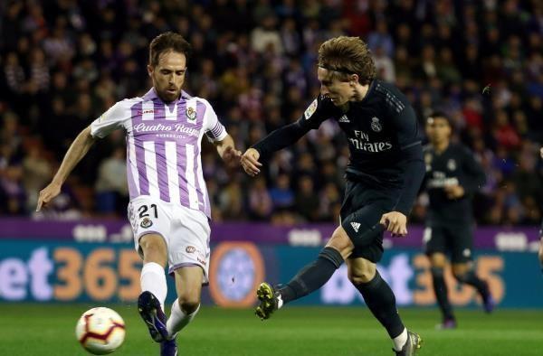 ريال مدريد يستعيد نغمة الانتصارات برباعية ضد بلد الوليد