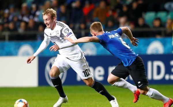 10 لاعبين من ألمانيا يضربون إستونيا بثلاثية