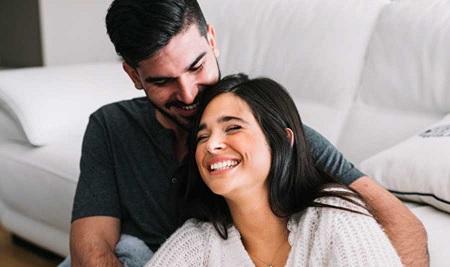 كيف يتحدث الزوجان عن العلاقة الحميمة دون خجل ؟