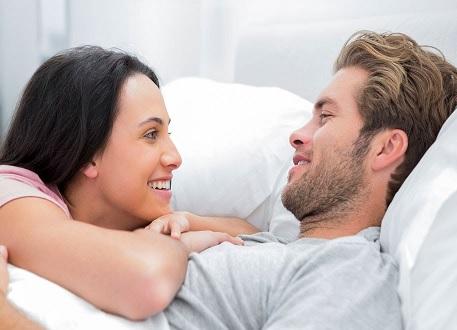 3 طرق لبناء علاقة حميمة قوية مع زوجك منها اعتمدي توقعات واقعية
