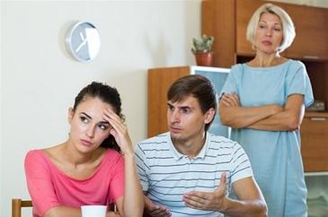 كيف تتعاملين مع تدخل الأهل في خلافاتك مع زوجك ؟