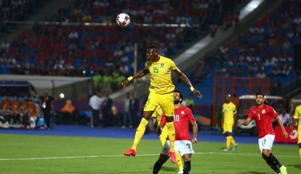 مصر تفتتح أمم أفريقيا بفوز هزيل على زيمبابوي