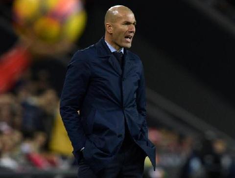زيدان يحسم موقفه من العودة إلى ريال مدريد