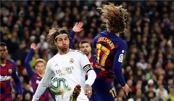 ريال مدريد يتلاعب ببرشلونة وينتزع صدارة الليجا
