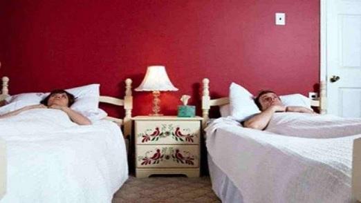 'طلاق النوم' ينتشل العلاقة الزوجية من الانهيار