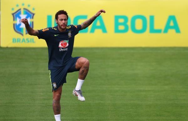 نيمار يثير الجدل برسالة غامضة من البرازيل
