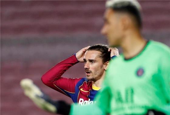 لاعبو برشلونة سعداء برحيل جريزمان