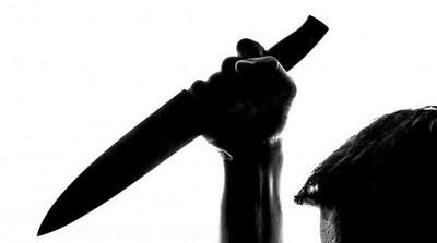 جريمة بشعة .. أربعيني يقتل زوجته طعناً ويسلّم نفسه للشرطة