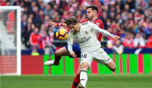ريال مدريد ينقض على وصافة الليجا بثلاثية في الديربي