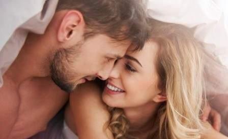 بين المداعبة والمتعة ... أهم ما يجب أن يعرفه كل رجل عن النشوة عند المرأة