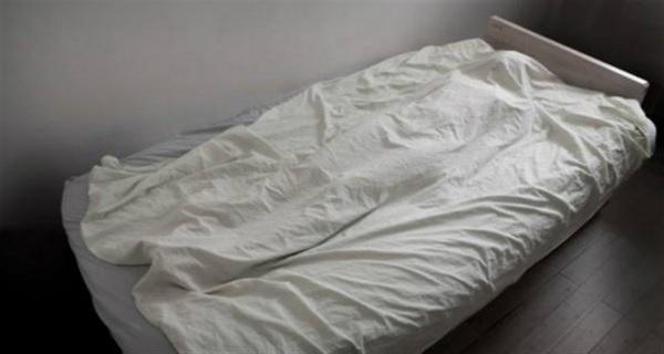 مقتل زوجين وطفليهما في جريمة غامضة