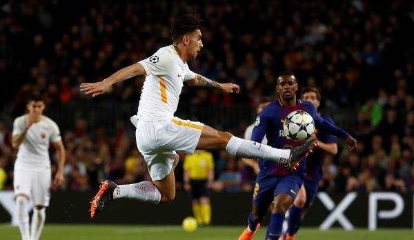 النيران الصديقة تقود برشلونة لفوز كبير على روما