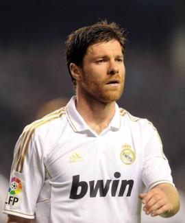 ألونسو سيجدد عقده مع ريال مدريد لموسمين