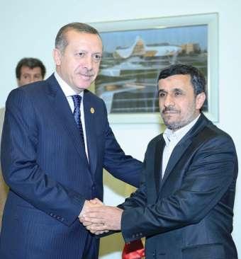 لقاء مفاجئ بين أردوغان و نجاد في أذربيجان
