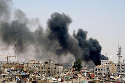 اشتباكات عنيفة قرب دمشق ومقتل أكثر من 100 شخص
