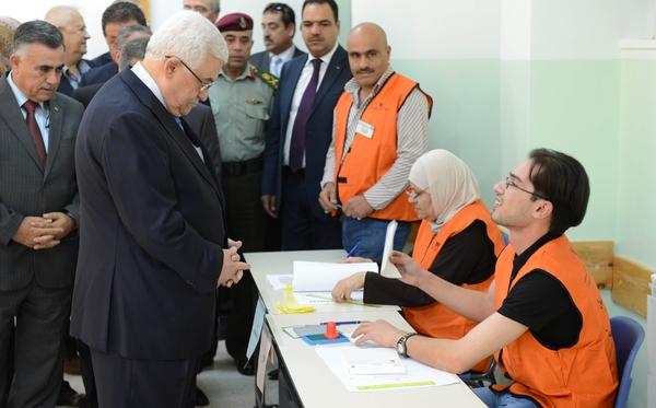 """هل سجل الرئيس""""عباس"""" للانتخابات النيابية الاردنية ؟"""