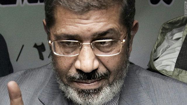 دعاوى قضائية لعزل الرئيس المصري