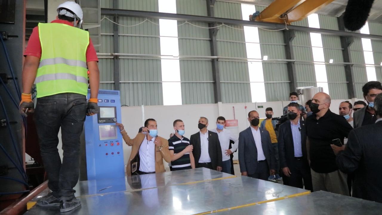 رئيس الوزراء يؤكد أن الحكومة بصدد إطلاق مشاريع كبرى خصوصاً في مجال السكك الحديدية