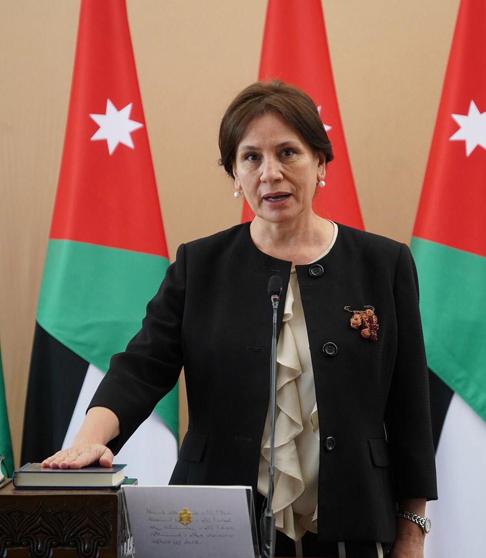 وزيرة الطاقة تفتتح مشروع ديهان لطاقة الرياح في الطفيلة