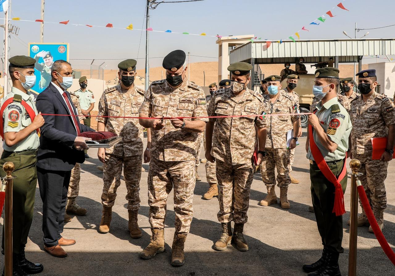رئيس هيئة الأركان المشتركة يفتتح المباني الجديدة لكتيبة الاتصالات