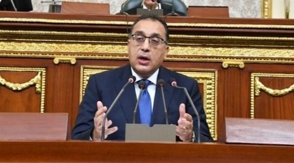 رئيس الوزراء المصري يتوجه إلى العاصمة الليبية على رأس وفد كبير