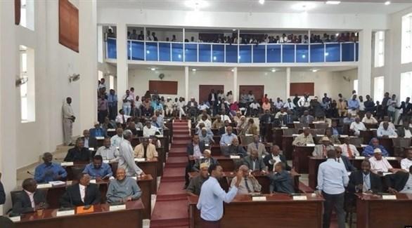 مجلس النواب الصومالي يؤيد إلغاء تمديد فترة الرئيس