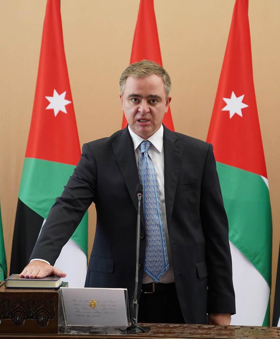 وزير الشباب يصادق على قرارات الهيئة العامة للنادي الفيصلي