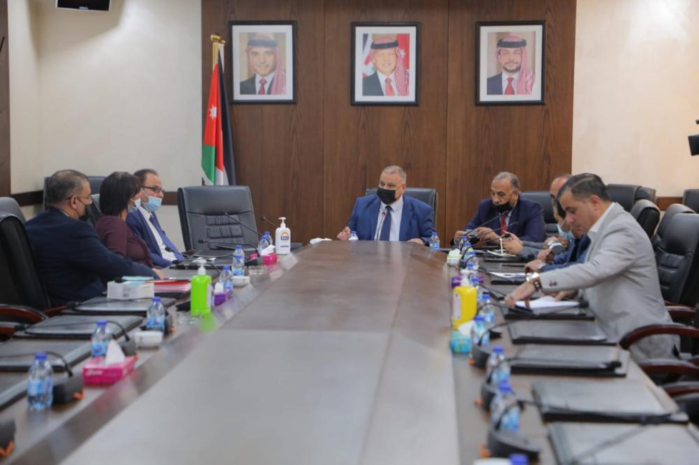 لجنة فلسطين النيابية تلتقي وفدا فلسطينيا
