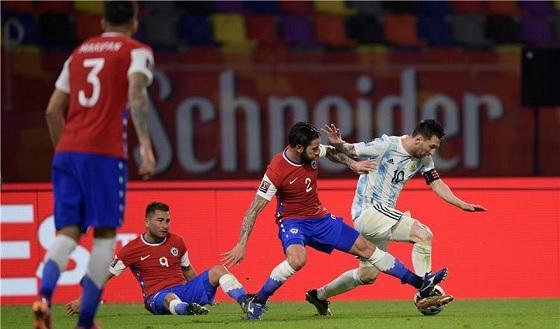ميسي يسجل..والأرجنتين تخفق بالفوز على تشيلي
