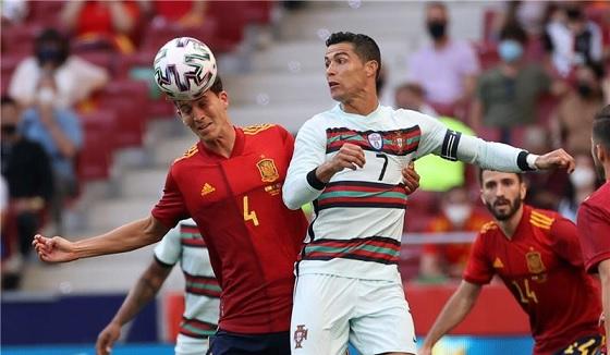 العارضة تحرم إسبانيا من فوز قاتل على البرتغال وديا