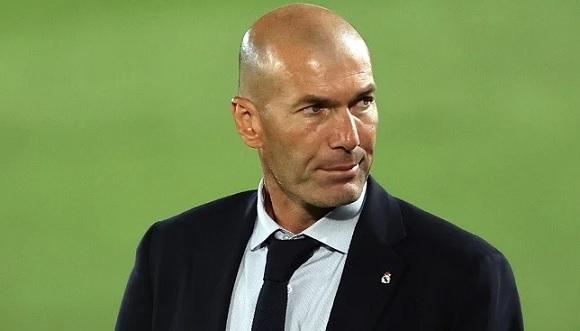 زيدان يخبر لاعبي ريال مدريد بخطوته التالية