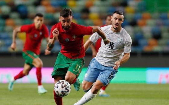 رونالدو وبرونو يقودان البرتغال لفوز كاسح قبل اليورو