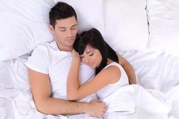 تأثير الكلام الإباحي بين الزوجين على العلاقة الحميمة