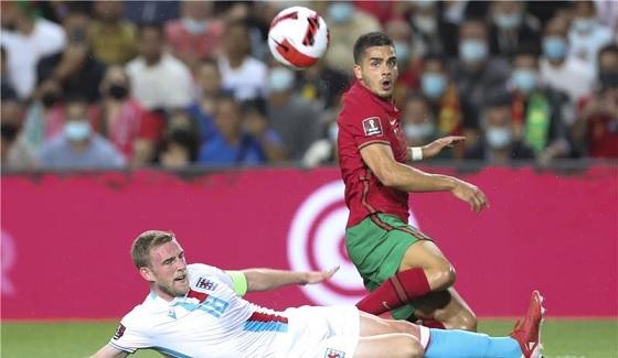 رونالدو يقود البرتغال لسحق لوكسمبورج