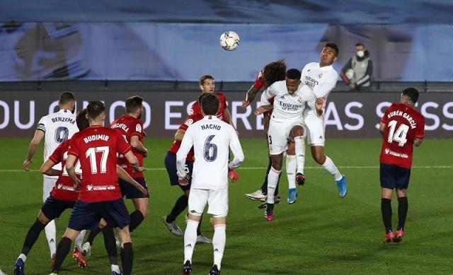 ريال مدريد يعبر فخ أوساسونا بثنائية برازيلية